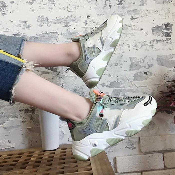 Sepatu Wanita Dengan Model Yang Sangat Kekinian Di Tahun ...