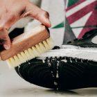5 Cara Membersihkan Sepatu Agar Awet Dan Terlihat Baru